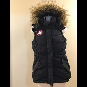 NWOT Canada Weather Gear Black Puffer Vest S